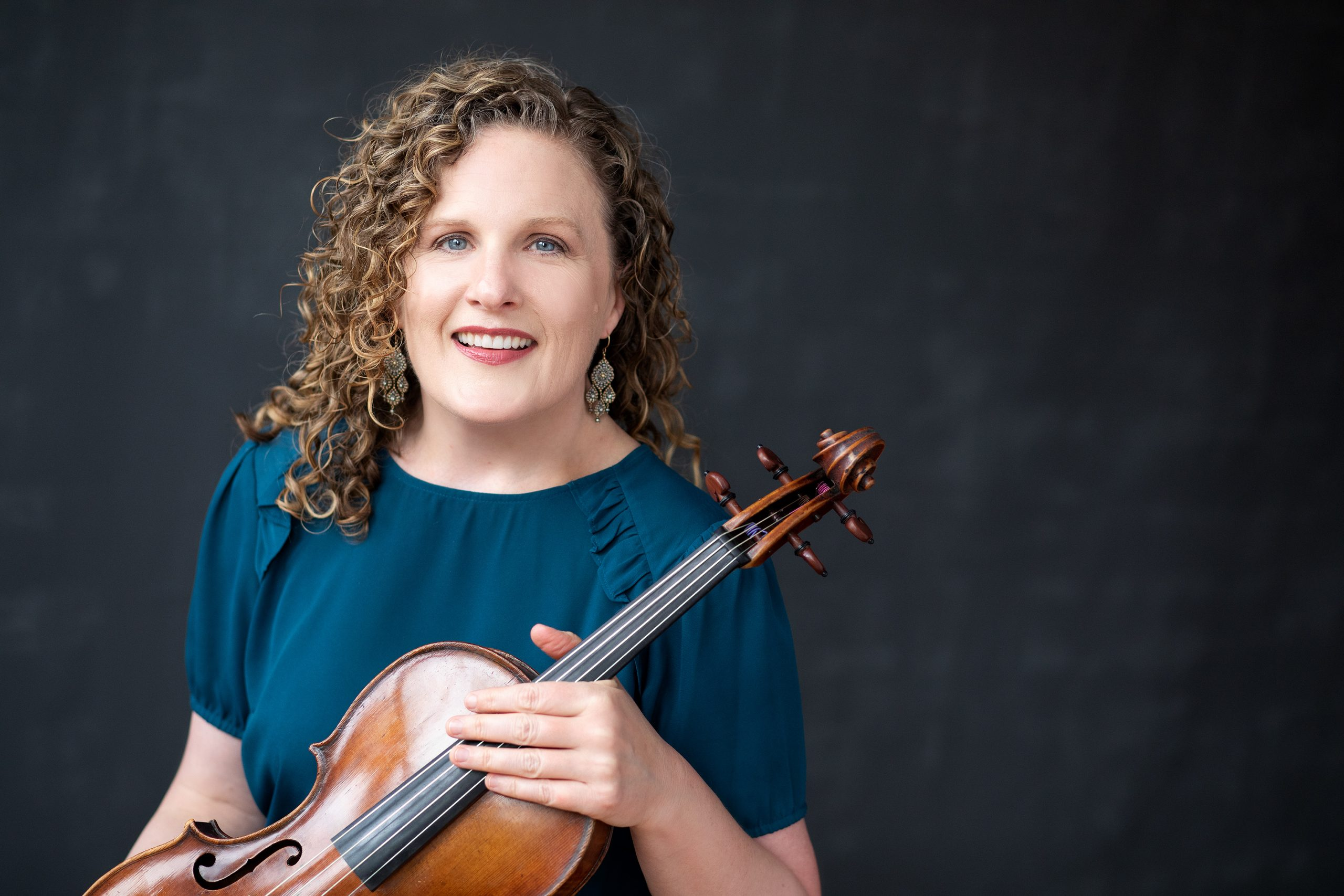Prof. Kirsten Docter posed with viola